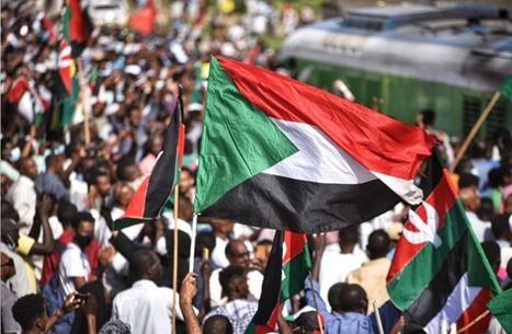 مظاهرات حاشدة بالخرطوم تطالب بحل الحكومة الانتقالية (شاهد)