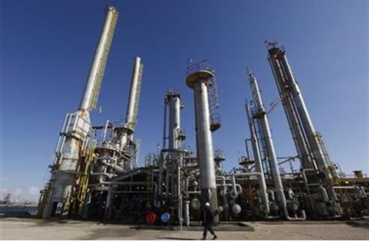مصر توقع 9 اتفاقيات للبحث عن النفط والغاز