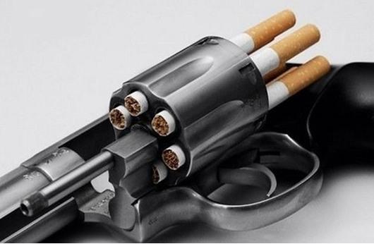 جنود بريطانيون يشاركون في حملة ضد التدخين