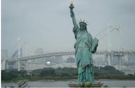تمثال الحرية يستقبل زواره