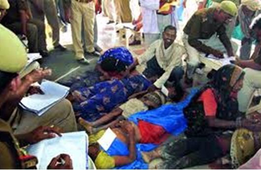 مقتل 50 شخصاً بتدافع في معبد بشمال الهند