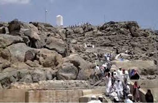 """حجاج بيت الله الحرام يستعدون لصعود """"عرفات"""""""