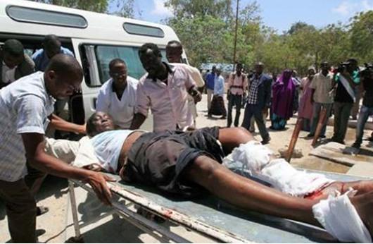 مقتل 25 شخصا في تفجيرات بوسط الصومال