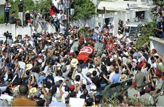 الأمن التونسي يمنع المرزوقي من حضور جنازة رسمية