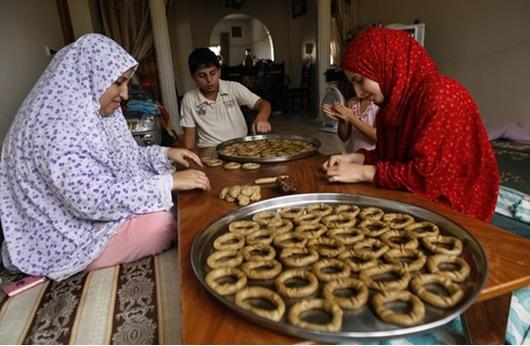 مستلزمات العيد تنعش أسواق غزة