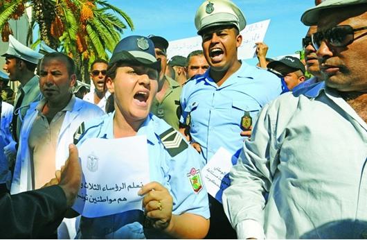 تونس : طرد المرزوقي والعريض من جنازة رجلي امن