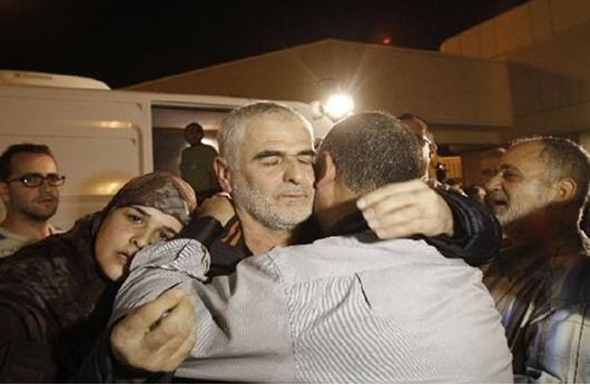 النظام السوري يطلق سراح 63 معتقلة والبقية على دفعات