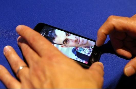 الخوف من الهواتف الذكية: لا أحد في مأمن من المراقبة