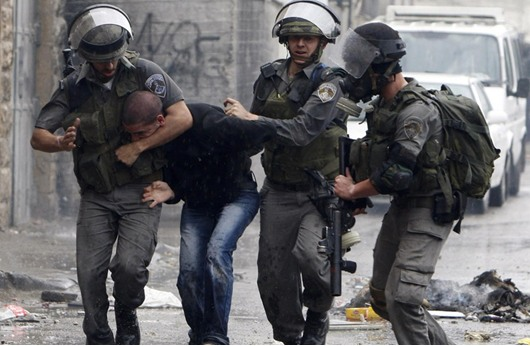 """عباس يحرر """"اسرى اوسلو"""" واسرائيل تعتقل قيادات حماس"""