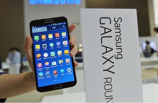 """""""سامسونغ"""" الأولى في سوق الهواتف الذكية في ظل تراجع """"آبل"""""""