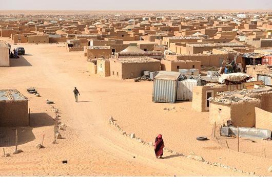 وسط توترات بين البلدين..الأمن الجزائري يعتقل مغربيين