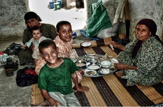 تقرير للبنك الدولي: غزة الثالثة عربيا من حيث الفقر