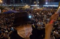 حاكم هونج كونج باق في منصبه ويرفض الاستقالة