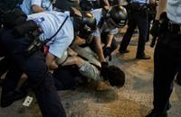 تصاعد التوتر بالصين وصدامات بين الشرطة ومتظاهرين