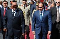 أول زيارة للبشير إلى مصر بعد انفراج العلاقات