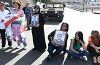 """أهالي """"اللبنانيين المخطوفين"""" يغلقون شوارع بيروت"""