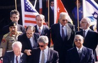 بيري: مدينون للأردن بحياة آلاف الإسرائيليين