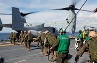 البحرية الأمريكية تعلق رحلاتها الجوية بعد حادثي تحطم