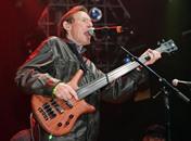 """وفاة جاك بروس عازف الغيتار والمغني في فرقة """"كريم"""""""