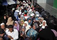 """حكومة الوفاق تبدأ بصرف دفعات مالية لموظفي حكومة """"غزة"""" السابقة"""
