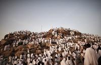 الحجاج يستقرون على صعيد عرفات (بث مباشر)