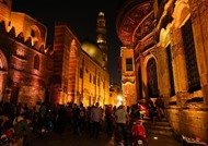 """شارع """"المعز"""".. متحف مفتوح لتاريخ مصر"""