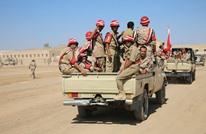 الجيش اليمني يتقدم في موزع ويقترب من معسكر خالد