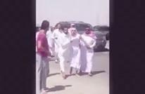 سعوديون يقبضون على شاب مناصر لتنظيم الدولة بالرياض (فيديو)