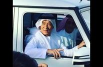 """""""جاكي شان"""" يتجول بالزي العربي التقليدي في دبي (فيديو)"""