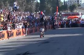 درّاج عالمي يشارك في استعراض للدراجات النارية برام الله