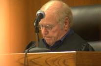 قاضٍ أمريكي يبيع الأحكام مقابل صور عارية وأفعال جنسية