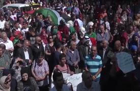 وقفة في رام الله تطالب بإنهاء الانقسام الفلسطيني