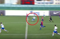 لاعب روسي يسجل هدفا عالميا من منتصف الملعب (فيديو)