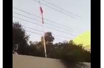 متظاهرون يقتحمون قنصلية إيران بأربيل وينزلون العلم (شاهد)