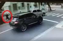 عصابة تسرق سيارة حارس منتخب البرازيل بسطو مسلح (فيديو)