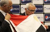 مؤثر.. مدرب الفراعنة أرجنتيني لكنه ردد النشيد المصري (فيديو)