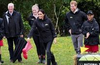 """ميغان تفوز على الأمير هاري بمسابقة """"رمي الأحذية"""""""