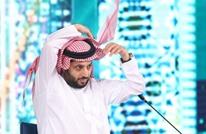 تركي آل الشيخ يتغزل بملكة جمال لبنان.. وجدل واسع (شاهد)