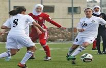 هكذا تصرفت لاعبات بعد سقوط الحجاب عن رأس منافستهن (شاهد)
