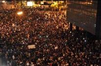 مرافق وزير لبناني يطلق النار لتفريق محتجين لفتح الطريق (شاهد)
