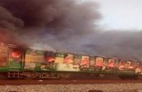 مقتل العشرات في حريق بقطار في باكستان (شاهد)