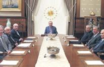 أردوغان يستعين برفقاء سابقين داخل إدارته بعد استقالات بحزبه