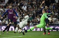برشلونة يتلقى ضربة موجعة قبل مواجهة ريال مدريد بالكلاسيكو