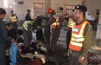 قتلى وجرحى بتفجير قنبلة داخل مدرسة ببيشاور الباكستانية