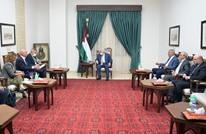 عباس يلتقي وزيرين إسرائيليين.. وشاكيد تزور الإمارات