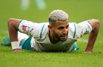 """محرز يحول تدريبات منتخب الجزائر إلى """"حلبة مصارعة"""" (شاهد)"""