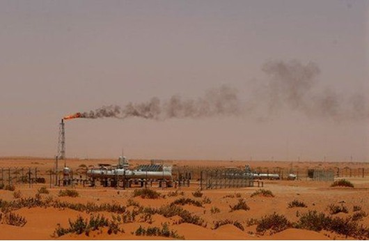 السعودية تخفض إنتاج النفط إلى 9.75 مليون برميل يوميا