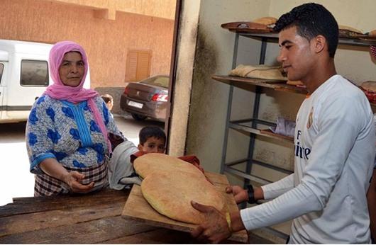 المغرب يقلص استثمارات حكومية للالتزام بخفض عجز الموازنة