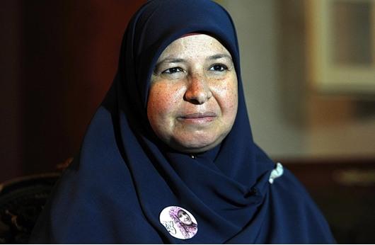 """زوجة """"البلتاجي"""": أسماء رفيقة والدها وعزاء مرسي فاجأنا"""