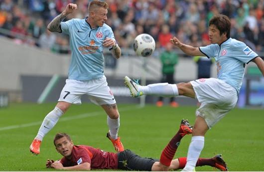 بطولة المانيا: فوز ثمين ومتأخر لماينمتس على فرانكفورت